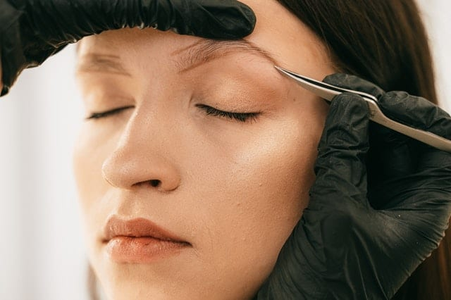 Eyebrow Shapes Service To Rejuvenate Your Youth Looks