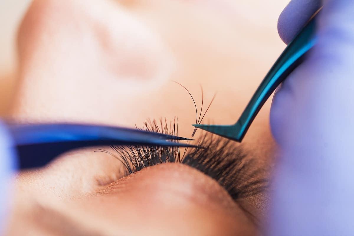 Eyelash extensions - fake eyelashes
