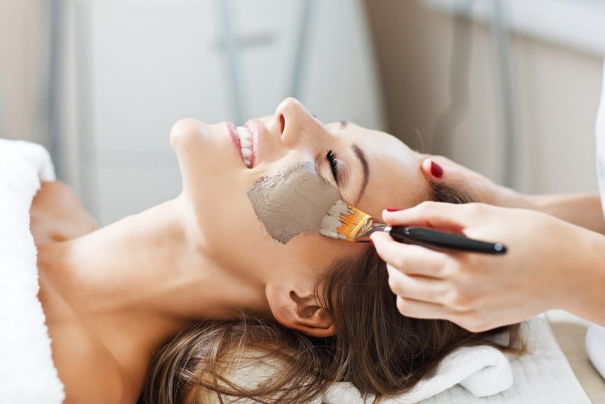 Benefits of Natural Mineral Makeup
